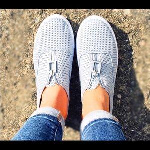 Qupid Reba Perforated Zip Ashblue Sneaker Sz 5.5